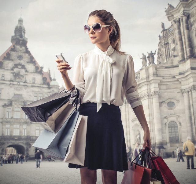Odločanje Potrošnika: Nakup v poslovalnici, odločitev na spletu